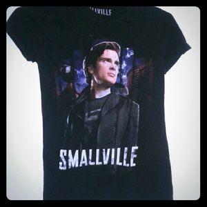Hot Topic Tops - Smallville/Superman Tee