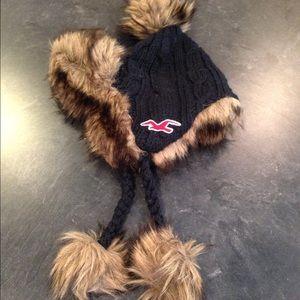 Hollister Accessories - New Hollister Cable Knit Fur Trim Flap Hat