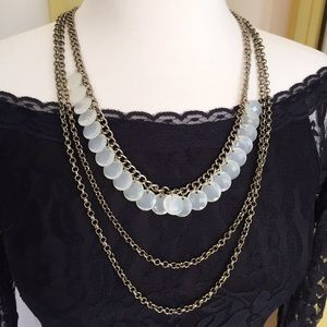 Jewelry - Beautiful drooping long necklace