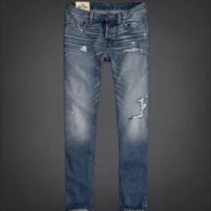New Hollister Destroyed Medium Slim Straight Jeans