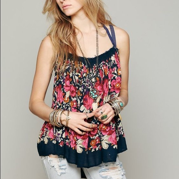 2078a8caa598d NWT FREE PEOPLE FP ONE Living Large Floral Tank XS