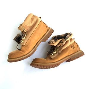 Timberland Other - Timberland tan and plaid top slouch boot