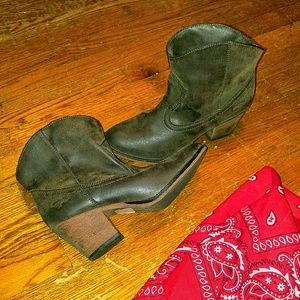 Rocket Dog Shoes - Ankle Booties