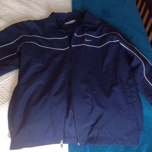 Men s Nike windbreaker 957d89315