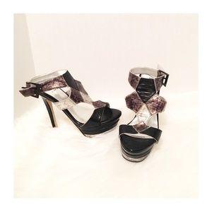 Bakers Shoes - Bakers Metallic fashion gladiators sandals Sz 6.5