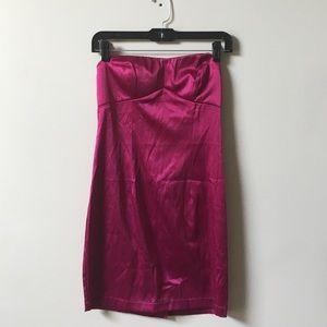 NWOT Magenta strapless mini dress