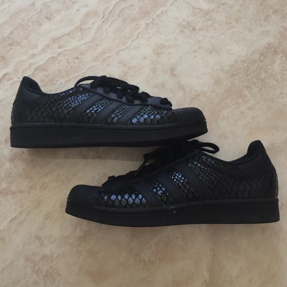 size 40 a4bc0 250ea Adidas Shoes - BLACK SNAKE SKIN ADIDAS SUPERSTAR.
