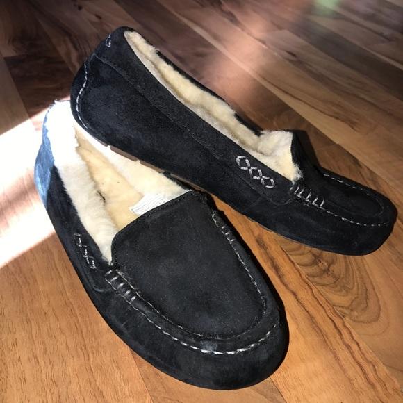 0e3929beb07 Black UGG Ansley slippers