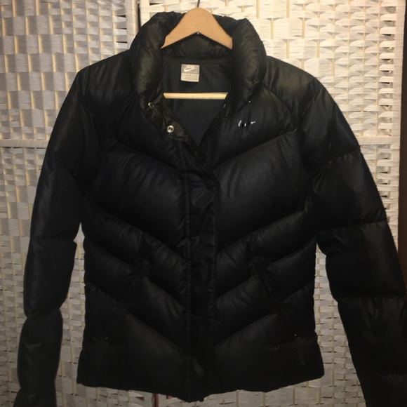 09a7102105 Womens Nike Down Feather Winter Coat. M 57f42372c6c795b5160113e1