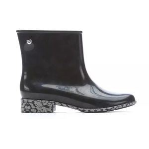 Melissa Shoes - Melissa Goji Berry Black Almond Toe Boots sz 5