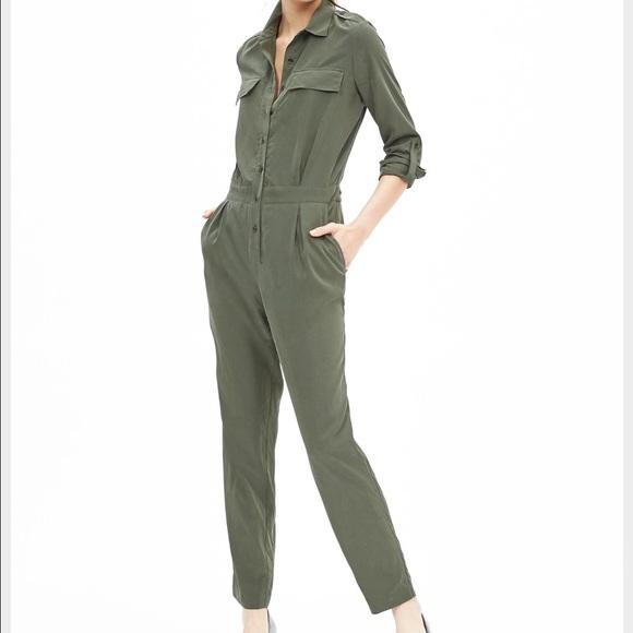 b9518d1c9fd Banana Republic Olive Green Jumpsuit Size M