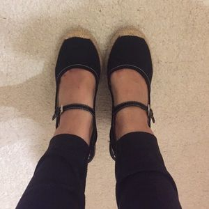 Franco Sarto black close toe wedge size 6