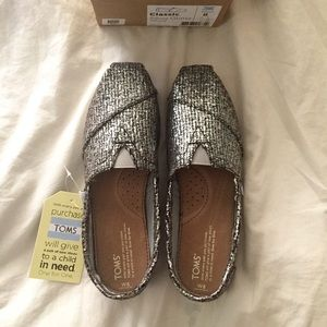 Extra📷 Toms Silver Sparkle Classic Slip Ons Shoes