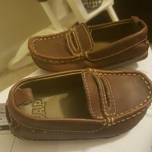 Size 6 GAP loafers