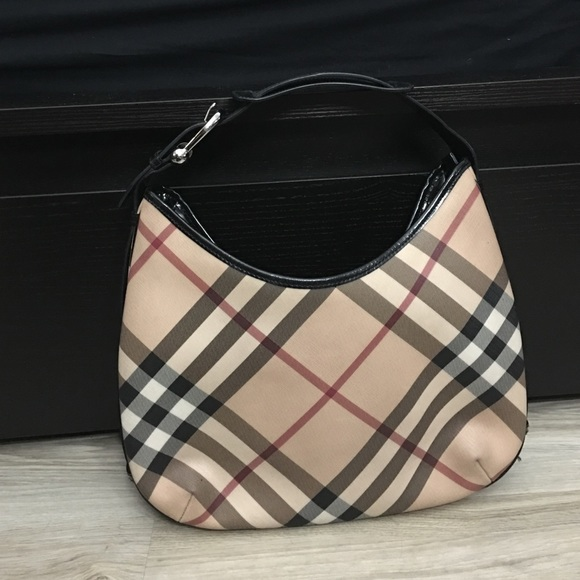 d131a6b83178 Burberry Handbags - Burberry Medium  Barton  Nova Check Hobo