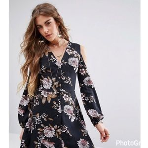 Dresses & Skirts - HP Yasmin Floral Print L/S Dress w/Cold Shoulder