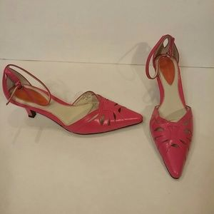 Liz Claiborne Flex leather cutout heels