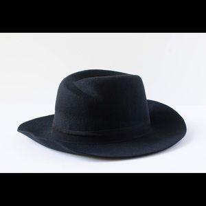 NWT wool wide-brimmed hat (adjustable)