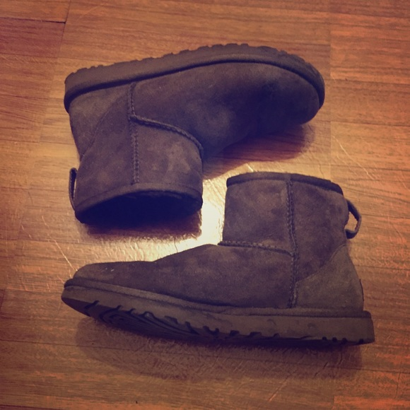 88ce06aeb3b UGGS chocolate mini short boots brown authentic 5