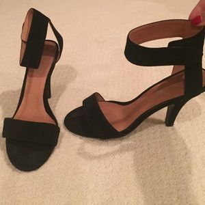 Jeffrey Campbell Shoes - Jeffrey campbell black suede heels