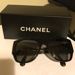 Authentic polarized Chanel sunglasses