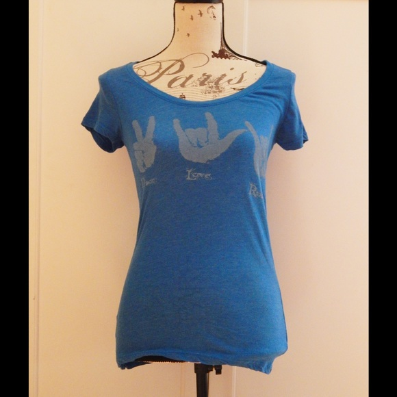 Threads 4 Thought Tops - Super Soft Peace Love Rock Sign Language Tee Sz M