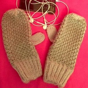 Merona Other - Metallic Grey Mittens