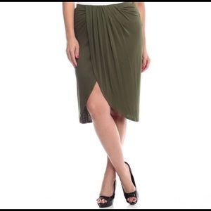 Bellino Clothing Dresses & Skirts - Bellino Shirred Wrap Midi Skirt New With Tags
