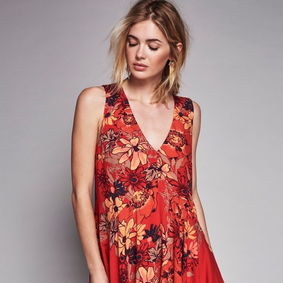 Backyard Party Printed Tunic In Pimento