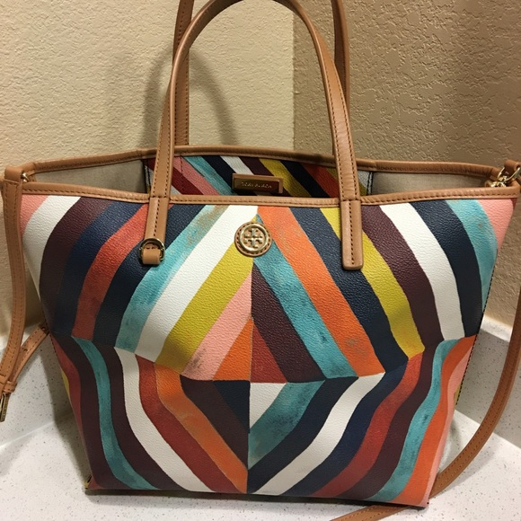 ecef138b81c 🌺🎀Authentic Tory Burch Kerrington Purse🌺🎀. M 57f718d2c6c795f5d900c8ce