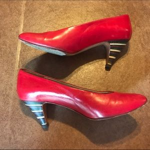 c63ce94c657 Vintage Shoes - Vintage 80s Sesto Meucci Red Pumps