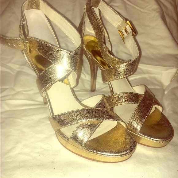 7d415e681 Michael Kors Shoes | Evie Platform Gold Size 8 | Poshmark