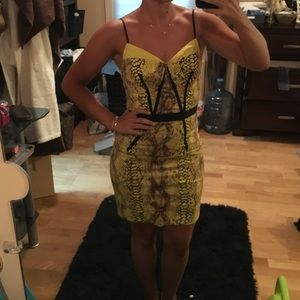 Plenty by Tracy Reese Dresses & Skirts - Yellow snake print dress