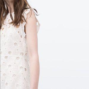 {Zara} guipure lace stars dress