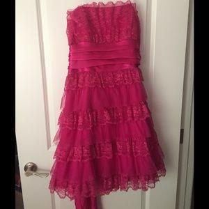 Dresses & Skirts - Pink Strapless Lace Dress