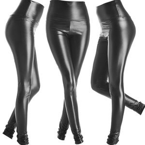 Faux leather legging shiny black