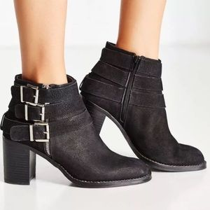 NWT 8 Jeffrey Campbell Rayburn Black Bootie Heel