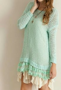 << Mint Lace Trim Tunic Sweater >>