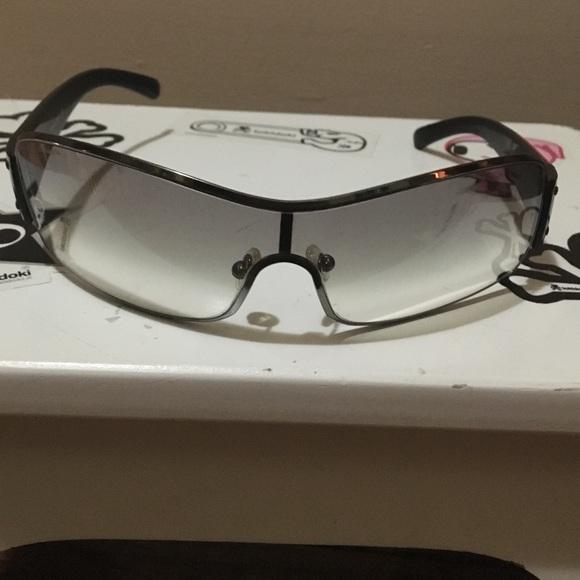 how to clean prada sunglasses