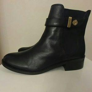 Louise et Cie Shoes - New Louise et Cie Black/gold leather midi booties