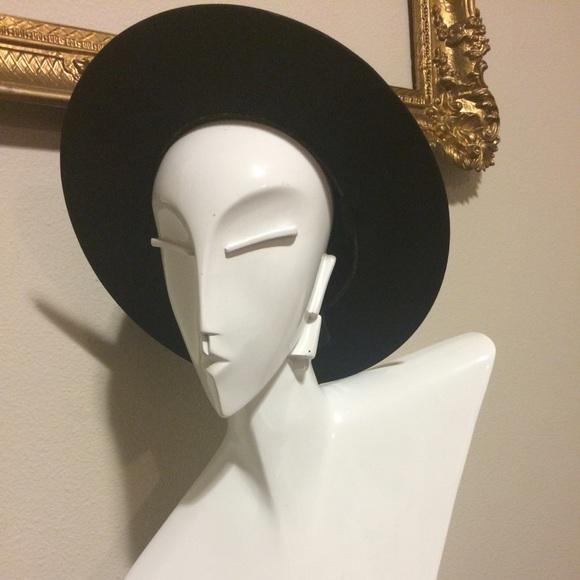 34f60b6d88654 Fernandez y Roche Accessories - Vintage Wide Brim Bolero Felt Hat from Spain
