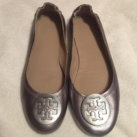 Tory Burch Minnie Travel Ballet in Gunmetal