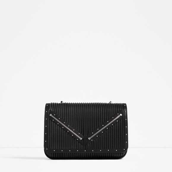 7fd80340 Zara CrossBody Bag With Zip Detail. NWT