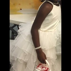 Joan Calabrese Other - Beautiful ivory flower girl dress for a princess!