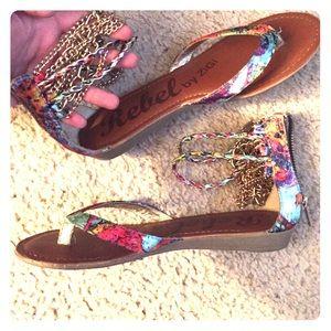 Size 8 zigi multicolored sandals