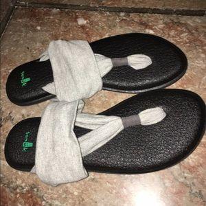 Sanuk Shoes - Cute sandals.. New! Never worn!
