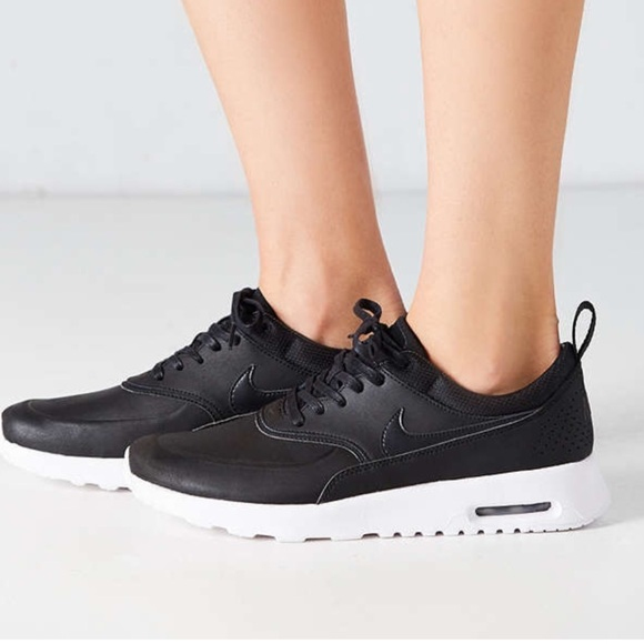 official photos 59e02 54f2b Air Max Thea Black Leather