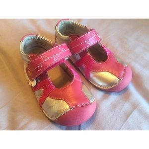 Umi Other - 🌸Like New UMI toddler sneaker w/ T Strap🌸