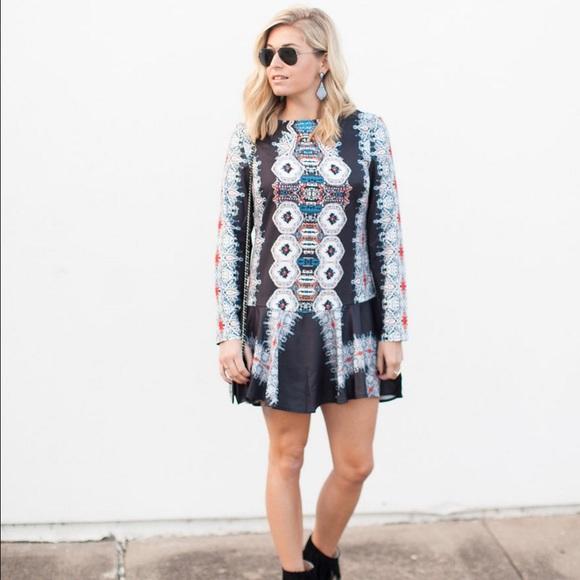shein Dresses - Kaleidoscope print long sleeve open back dress