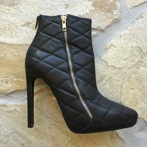 Jeffrey Campbell Shoes - 🆕Jeffrey Campbell Quilted Booties (9)